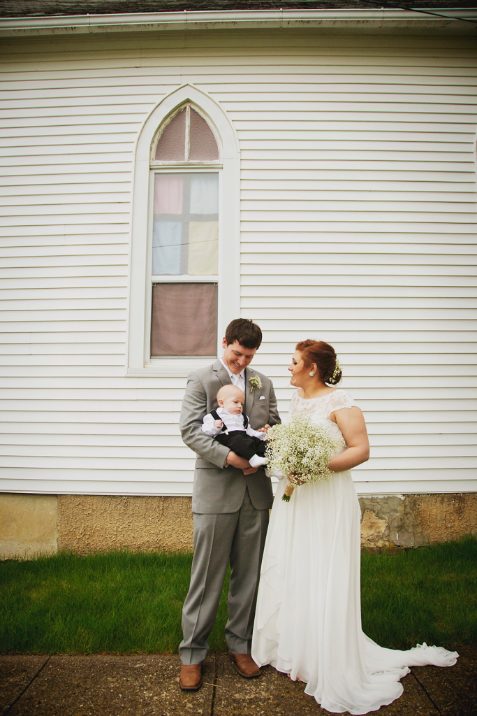 Amber & Austin - {Wedding Photography} by Lacy Marie Photography in Omaha NE. www.lacymariephotography.com