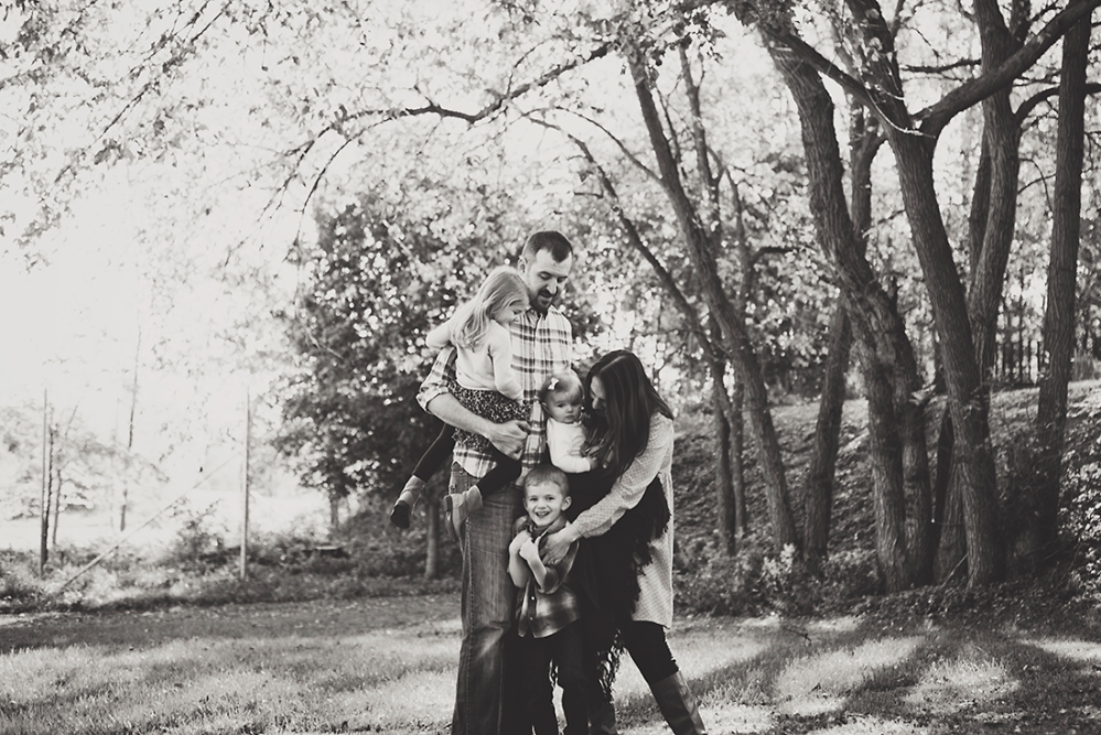Ben & Lana {Family Shoot} by Lacy Marie Photography in Omaha NE. www.lacymariephotography.com