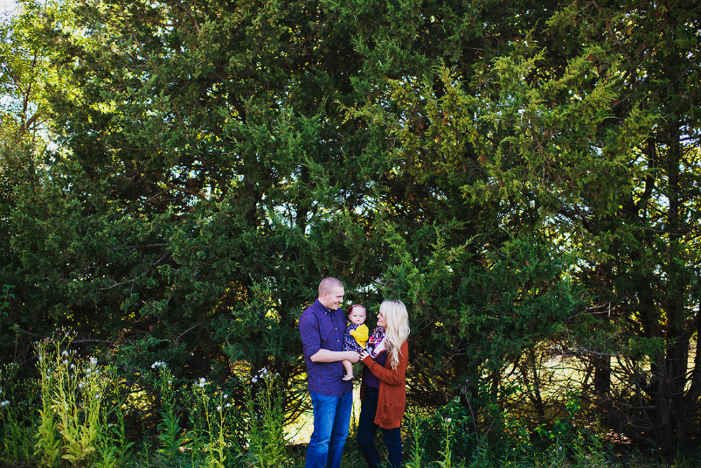 {Family Shoot} with Lacy Marie Photography in Omaha NE www.lacymariephotography.com